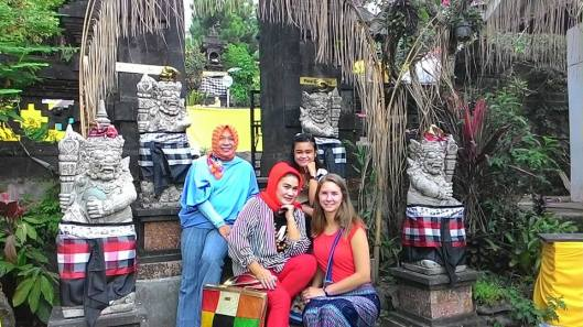 With my host mom, aunt, and cousin at another Hindu worship part of Pure Agung Parahyangan.
