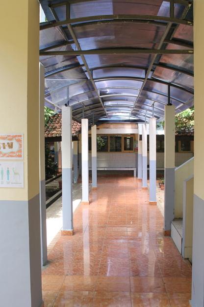 Hallway leading to IPA 3